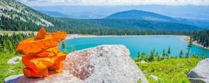Summer-Scenic-Lake-Inukshuk-2000x1000px_0